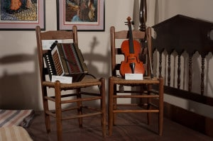TG7_2188 - Accordion & Fiddle